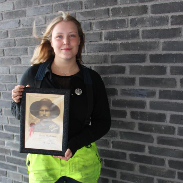 Hanna Bendiksen fikk medlemskap i Rallarklubben.