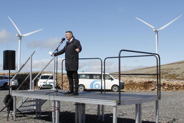 Olje- og energiminister Kjell Børge Freiberg åpnet tirsdag Ånstadblåheia vindpark på Sortland.